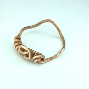Copper wire ring with wavey shank