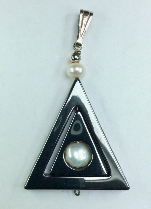 Hematite, freshwater pearl sterling silver
